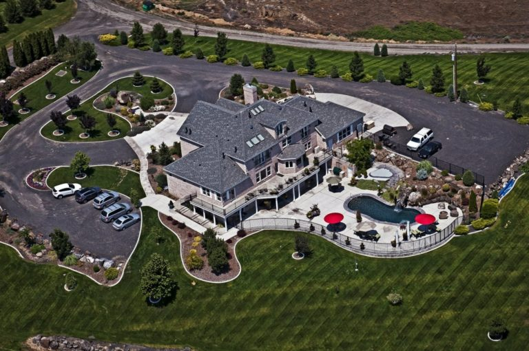 Aerial Photo of Cameo Heights Mansion